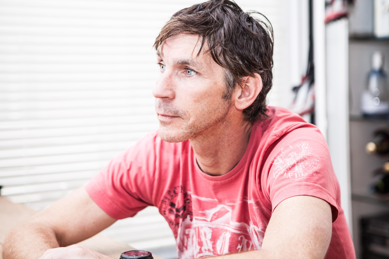Tienenaar Kurt Alderweireldt wint de Antarctic Ice 100 km.
