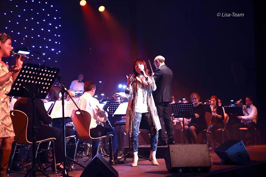 Harmonie 'Onze Taal' begeleidt Lisa Del Bo tijdens haar jaarlijkse concert!