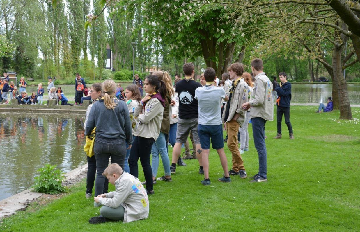De Tiense jeugdbewegingen verenigen zich in het Vianderdomein op de samenspeeldag.