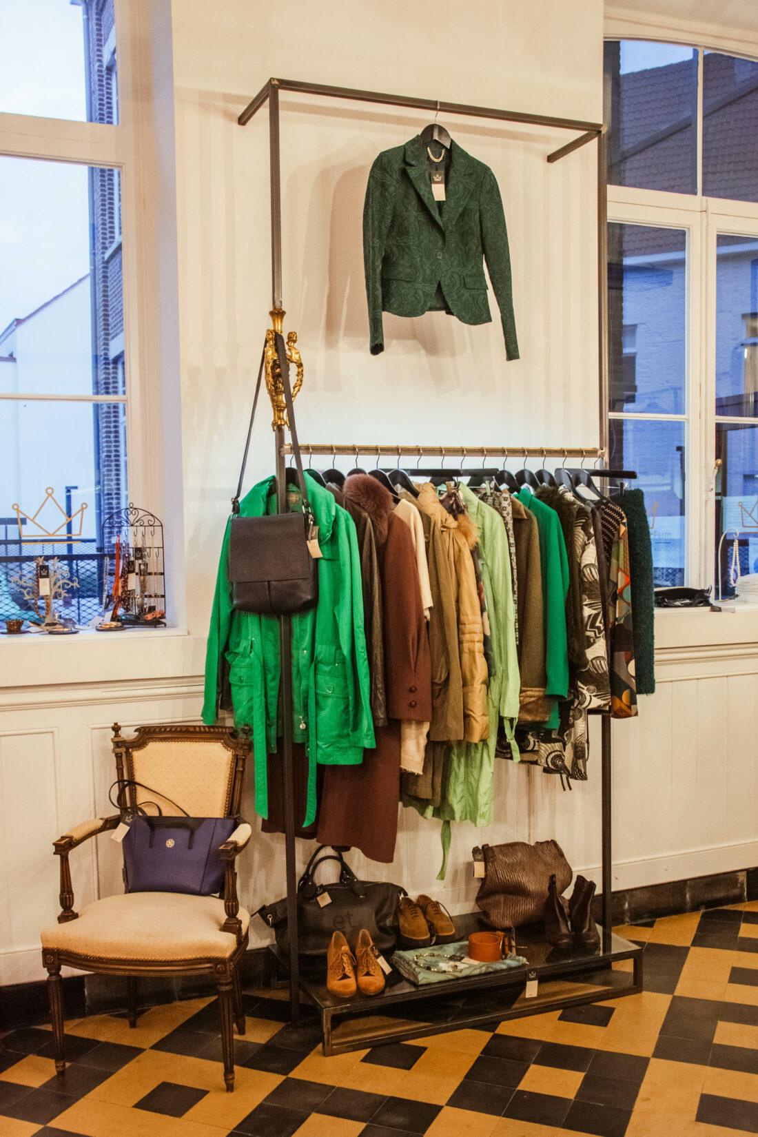 kledingrekken groene kleding