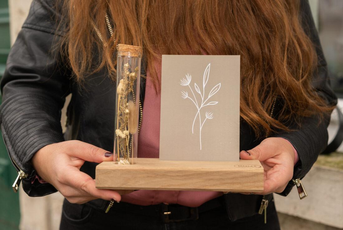 kaartenhouder met droogbloemen
